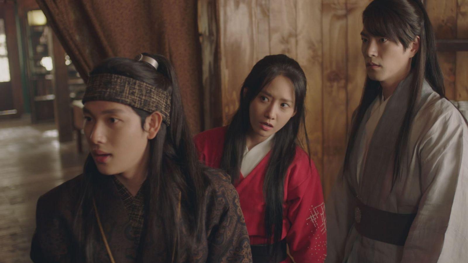 王は愛する、イム・シワン、ユナ、少女時代、ホン・ジョンヒョン