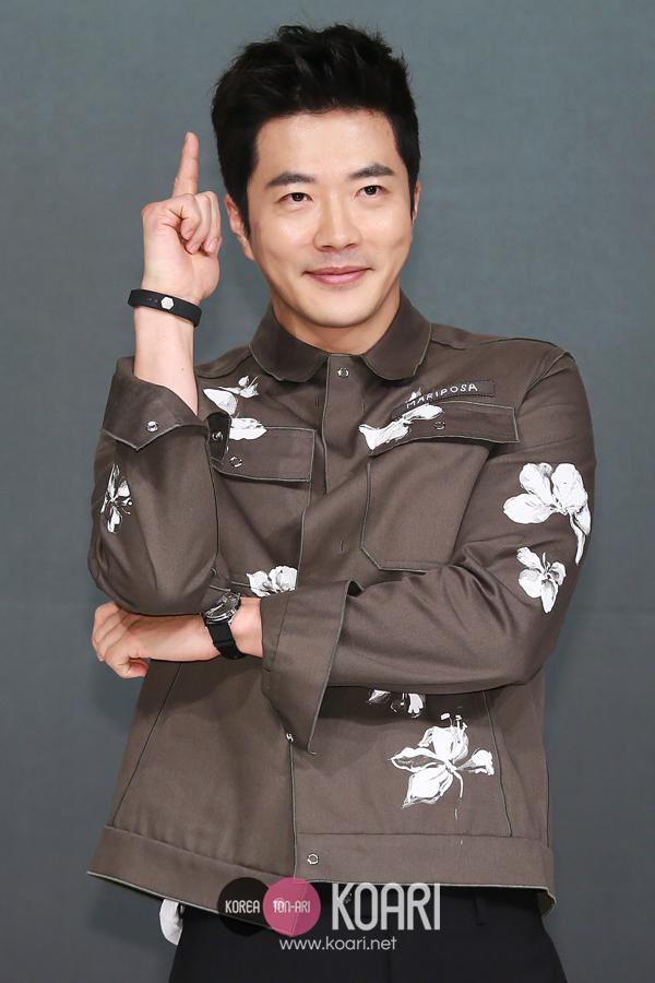 クォン・サンウ,