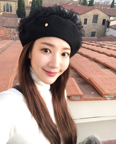 パクミニョン,パク・ミニョン,ParkMinYoung,Kbeauty,韓国帽子,韓国ファッション,韓国流行,韓国ビューティー