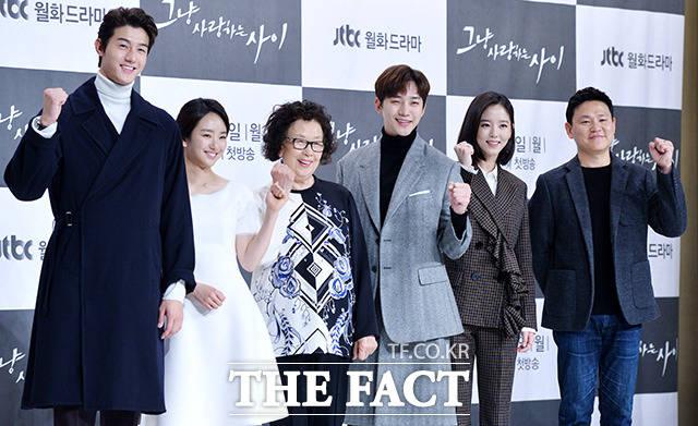 イ・ギウ,ウォン・ジナ,ナ・ムニ,ジュノ,2PM,カン・ハンナ,キム・ジンウォン監督,