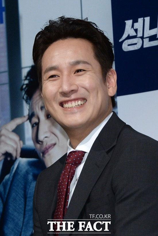 イ・ソンギュン