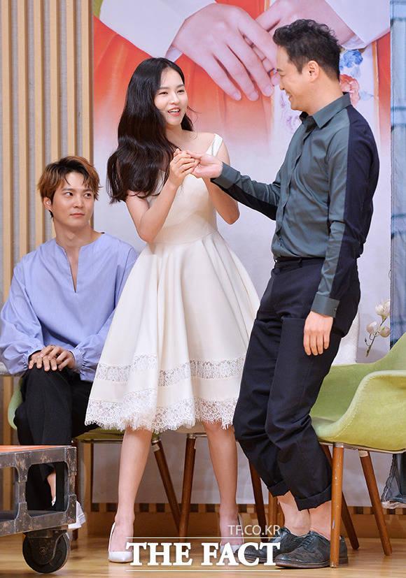 猟奇的な彼女,キム・ユネ、チョン・ウンイン,チュウォン,